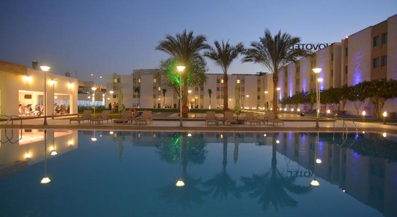 فندق نوفوتيل المطار - الفنادق - القاهرة