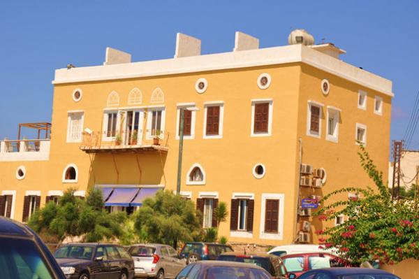 منتجع الفنار - الفنادق - بيروت
