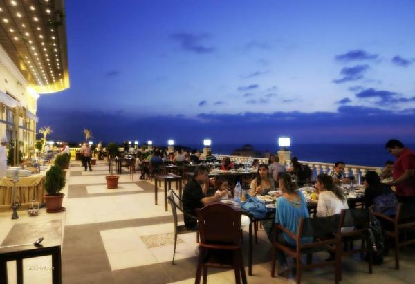 الشاطر حسن بالاس - المطاعم - بيروت