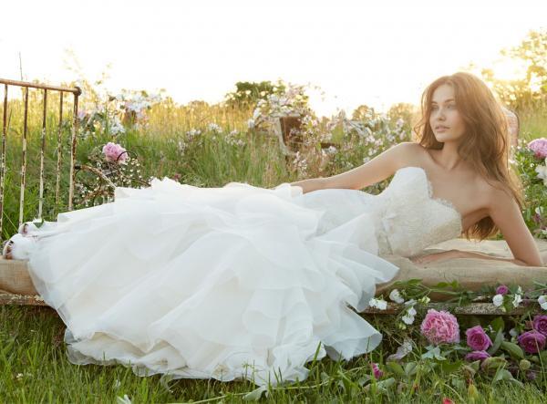 الملابس الفاخرة - فستان الزفاف - مراكش