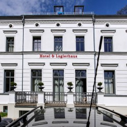 Landgut Stober - Biohotel & Logierhaus-Hotel Hochzeit-Berlin-1