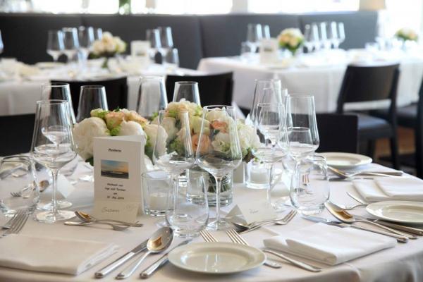 Rainvilles Elbterrassen - Hotel Hochzeit - Hamburg