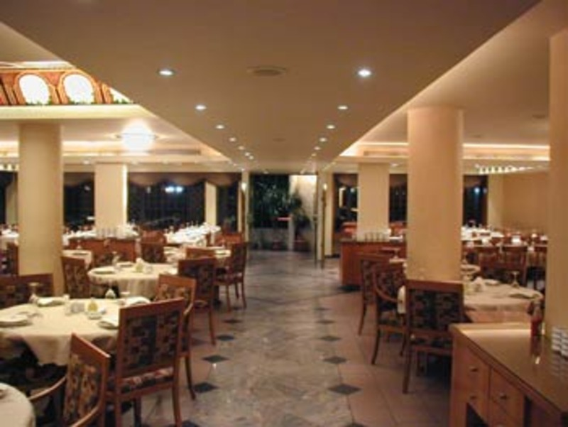 مار شعيا - المطاعم - بيروت