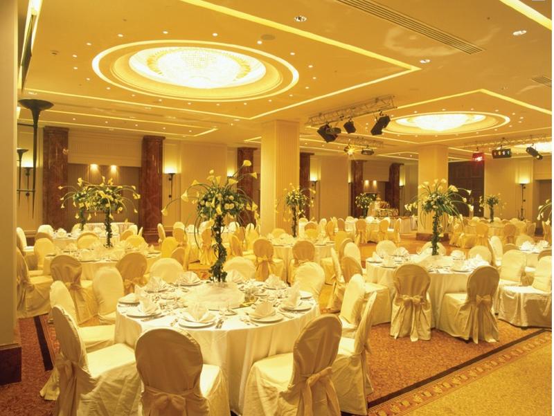 فندق ومنتجع جراند هيلز - الفنادق - بيروت