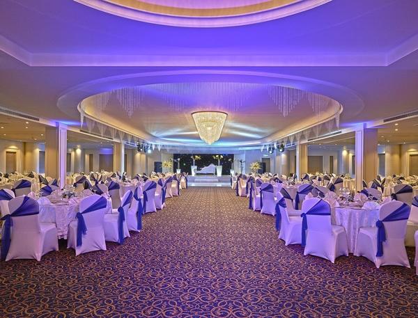 هوليداي إن القاهرة المعادى - الفنادق - القاهرة