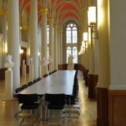 Rotes Rathaus - Säulenhalle-Historische Locations-Berlin-6