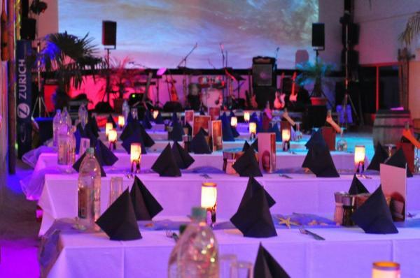 Gestrandet Indoor-Beachclub Augsburg - Hochzeit im Freien - München