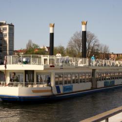 Exclusiv Yachtcharter- & Schiffahrtsgesellschaft mbH-Besondere Hochzeitslocation-Berlin-1