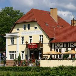 Die Bühne im Bahnhofshotel-Hotel Hochzeit-Berlin-3