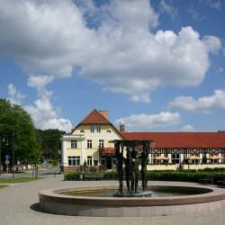 Die Bühne im Bahnhofshotel-Hotel Hochzeit-Berlin-2