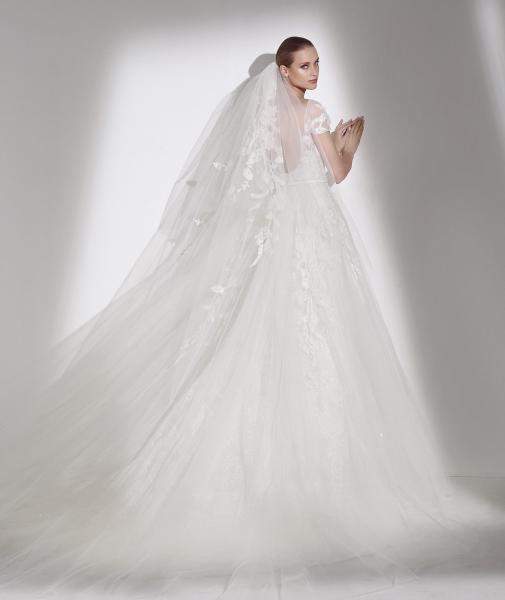 """برونوفياس """"نوف سبورت أند شيك"""" - فستان الزفاف - المنامة"""