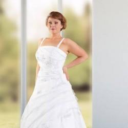 Wondervolle Brautmode-Brautkleider-Köln-6