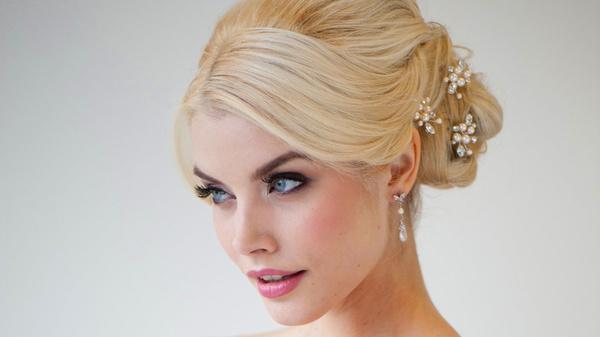 Independent – Hair & Make up - Brautfrisur und Make Up - München