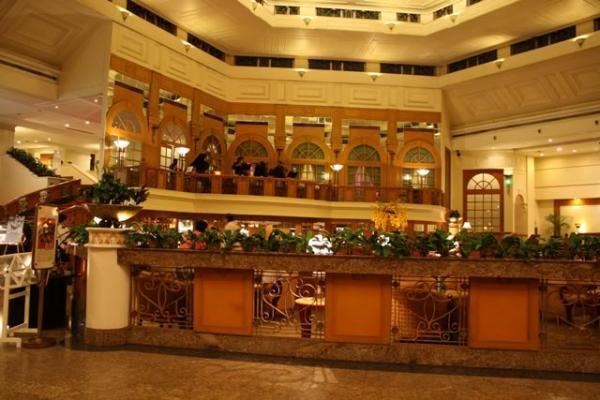 فندق سنشري بارك - الفنادق - بيروت