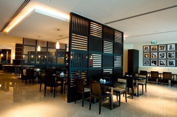 فندق هولدي ان اكسبرس - الفنادق - دبي