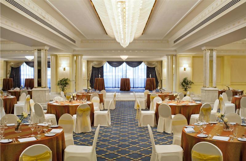 فندق شيراتون ديرة دبي - الفنادق - دبي