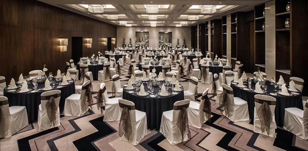 Pullman Dubai Creek City Centre - Hotels - Dubai