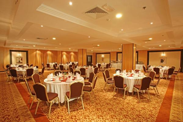 فندق لندن سويتس - الفنادق - دبي