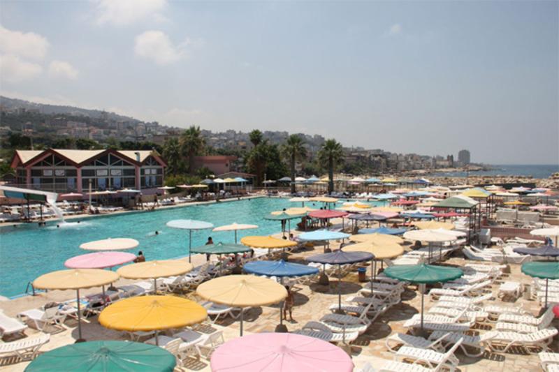نيو سانتا تيريزا بيتش - الحدائق والنوادي - بيروت