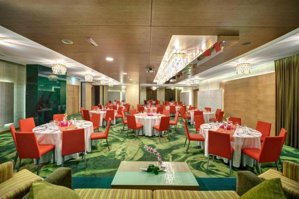 فندق الخوري اكزكيوتف - الفنادق - دبي