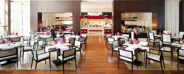 فندق نوفوتيل مركز دبي التجاري العالمي - الفنادق - دبي