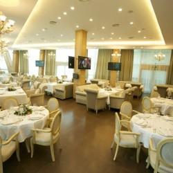 لا تيرازا مطعم وصالة-المطاعم-دبي-1