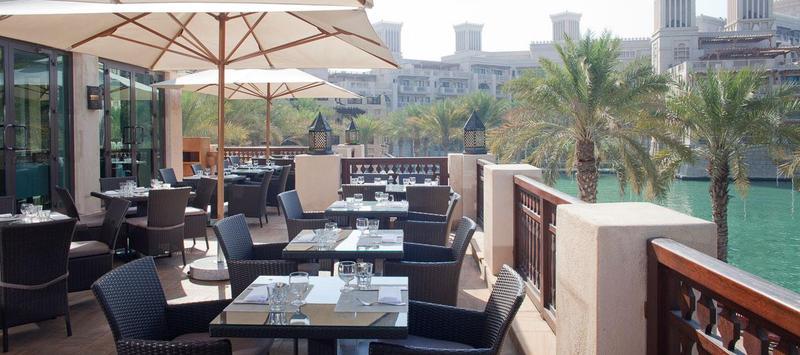 ريفينغتون بار آند جريل - سوق مدينة جميرا - المطاعم - دبي