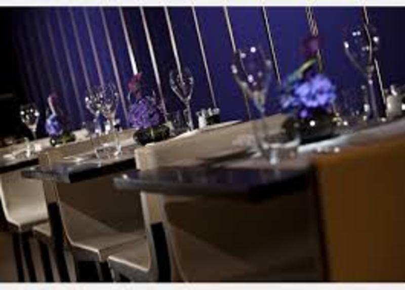 مطعم لاسبيغا  بيبر مون - المطاعم - الدوحة