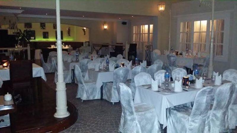 اب ستير داون ستيرز - المطاعم - المنامة