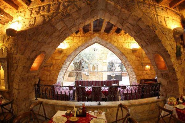 فندق الساحة - الفنادق - بيروت