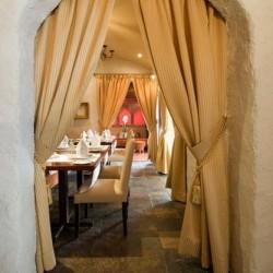 مطعم وصالة كاميلوت-المطاعم-المنامة-6