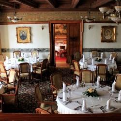 مطعم وصالة كاميلوت-المطاعم-المنامة-1