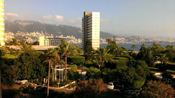 فندق شاطئ طبرجة - الفنادق - بيروت