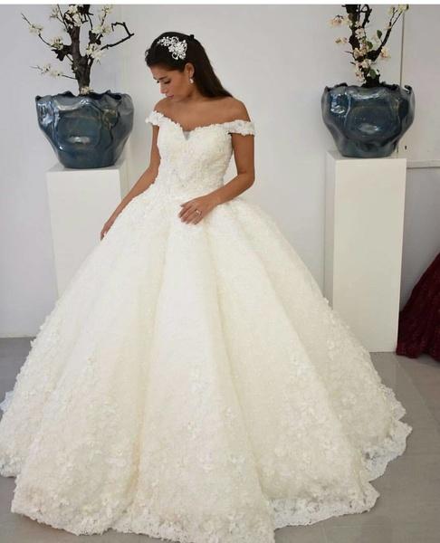 مشروع تصميم فساتين أعراس
