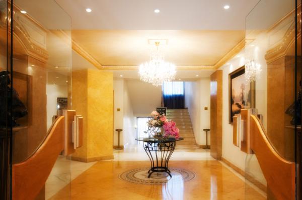 فندق بيلا ريفا سويتس - الفنادق - بيروت