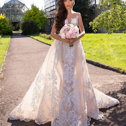 Moon Bride -Wedding Gowns-Dubai-3