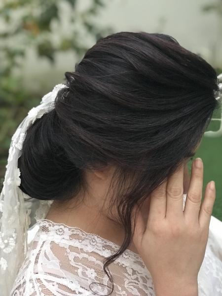 علياء عبدالله محمد - الشعر والمكياج - دبي