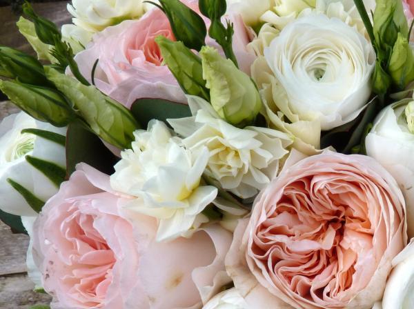 ورودي اند مور - زهور الزفاف - دبي