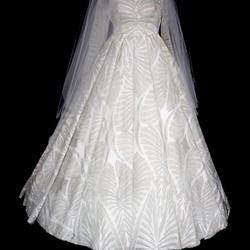 خيالي للأزياء-فستان الزفاف-مسقط-5