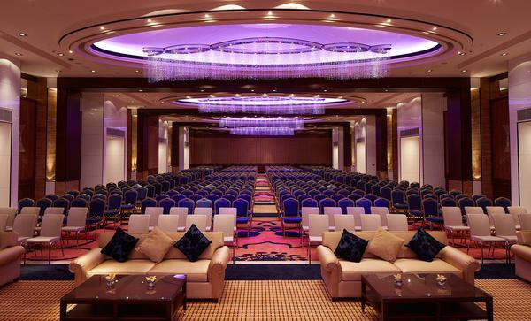 ملينيوم فندق و مركز مؤتمرات الكويت - الفنادق - مدينة الكويت