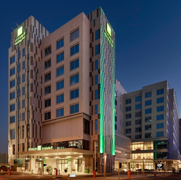 فندق هوليداي إن - الدوحة - المجمع التجاري - الفنادق - الدوحة