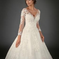 51c452c612e12 محلات ومتاجر فساتين الزفاف في دبي