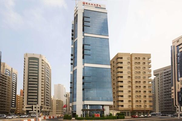 Ramada Abu Dhabi Corniche - Hotels - Abu Dhabi