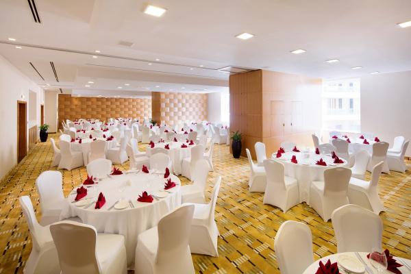 فندق نوفوتيل دبي البرشا - الفنادق - دبي
