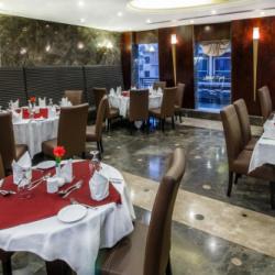 فندق سوميت-الفنادق-دبي-1