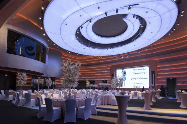 فندق في كوريو كوليكشن باي هيلتون دبي - الفنادق - دبي