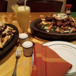 مطاعم و حلويات قيصر-بوفيه مفتوح وضيافة-دبي-1
