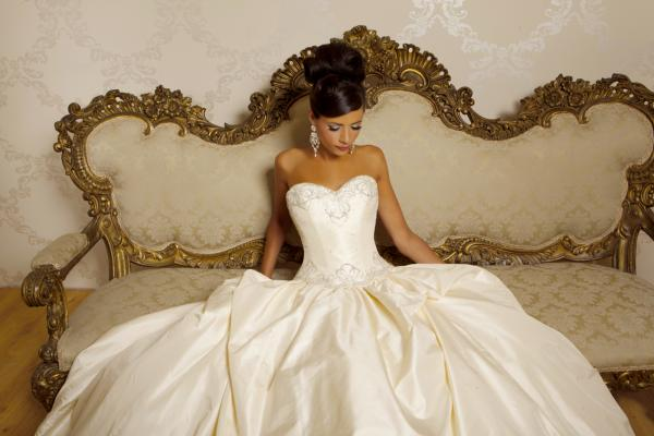 دريمز لفساتين الافراح - فستان الزفاف - القاهرة