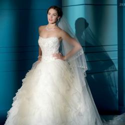 سمبلي وايت-فستان الزفاف-مسقط-4