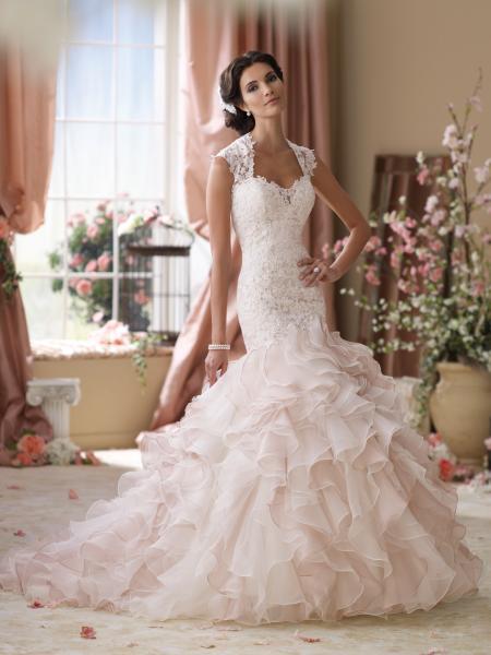 ريمان لتصميم الأزياء - فستان الزفاف - الشارقة